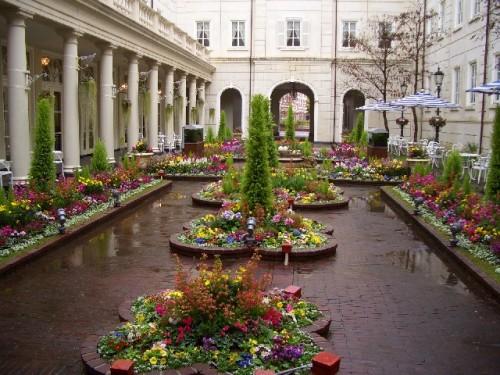 ホテルアムステルダム中庭2